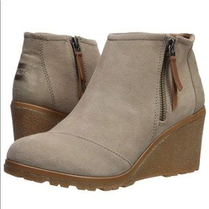 Toms Tan Wedges